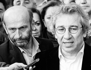 Преследуемые в Турции журналисты Джан Дюндар и Эрдем Гюл