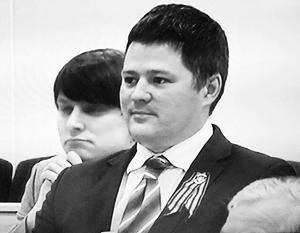 Вячеслав Титов считает, что георгиевская ленточка олицетворяет победу над фашизмом, его оппоненты – что «имперскую агрессию»