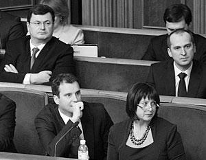 Украинские депутаты отказались покинуть правительство под давлением Запада