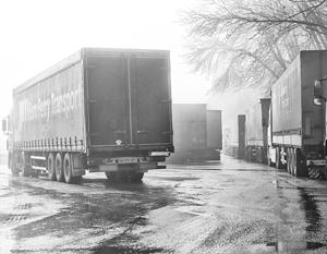 Оказавшиеся заложниками украинских националистов российские водители грузовиков начали возвращаться домой