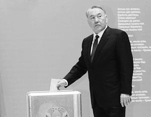 Назарбаев вот уже в четвертый раз организует внеочередные парламентские выборы