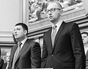 Передача премьерского поста от Яценюка Гройсману сопровождается ожесточенным торгом