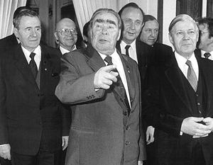 Андрей Громыко, Леонид Брежнев, Ганс-Дитрих Геншер и Гельмут Шмидт. 1981 год