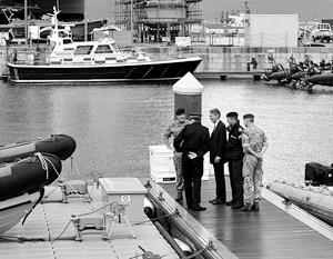 Филип Хаммонд во время посещения британской военной базы в Гибралтаре