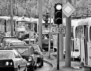 Трамваи и троллейбусы остановились в Саратове из-за долгов