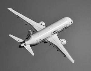 Крупнейшая зарубежная сделка для SSJ-100 может сорваться из-за запрета полетов туристов в Египет