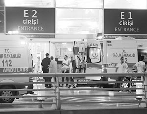 Взрывы произошли на входе, выходе и на парковке аэропорта Ататюрка