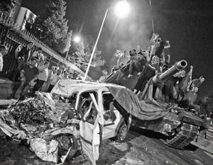 Попытка военного переворота в Турции захлебнулась к утру