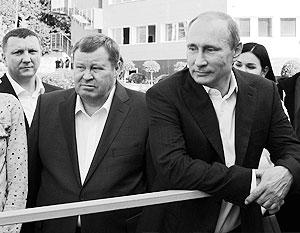 Из всех ныне действующих полпредов президента в федеральных округах Устинов находится в этом статусе дольше всего