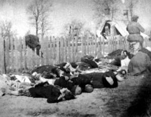 По данным польских историков, во время Волынской резни от рук ОУН-УПА погибли от 100 до 130 тысяч человек
