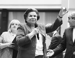 «Четыре – День народного единства», – отметила Терешкова, проведя ассоциацию места партии в избирательном бюллетене с праздником 4 ноября