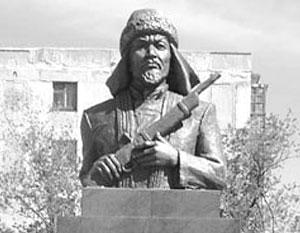 На родине Кейки Батыру ставят памятники, но его останки все еще не преданы земле