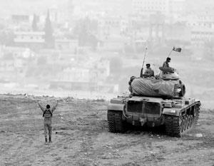 Турецкая армия наступает в Сирии при поддержке США