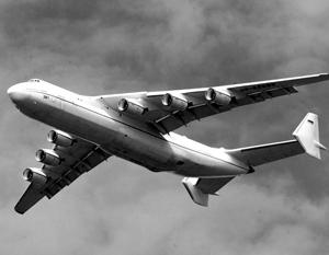 Первый самолет «Мрия» был построен для доставки «Бурана» на Байконур в 1988 году, но после развала СССР лайнер так и остался на Украине вместе с документами