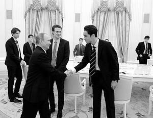 Долго оставлять в тайне встречу с итонцами в Кремле никто не собирался