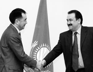 Премьер Казахстана Карим Масимов (слева) последит за работой своего преемника Бакытжана Сагинтаева с должности главы местного КГБ
