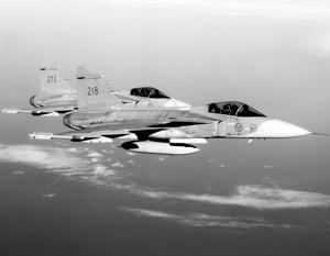 В НАТО не согласились включать транспондеры у военных самолетов над Балтикой
