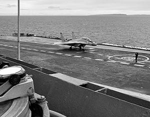 Истребители МиГ-29КУБ, недавно поступившие в состав авиакрыла корабля, должны стать основной ударной силой авианосца