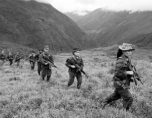 Повстанцы, начавшие свою войну еще в 1960-х, по-прежнему представляют собой многотысячную силу, контролирующую обширные районы Колумбии