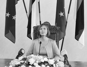 Избрание Керсти Кальюлайд президентом Эстонии, по мнению оппозиционных активистов, походило на театр абсурда