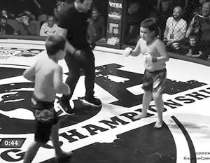 По некоторым данным, дети до 12 лет вообще не имеют права выходить на ринг
