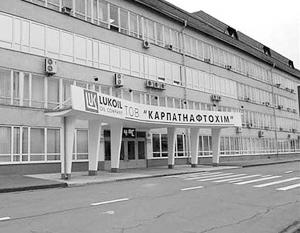 Крупнейший нефтехимический завод Украины потребовал восстановить торговлю с Россией
