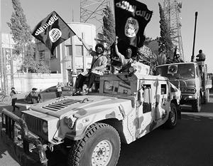 Эштон Картер, похоже, мечтает уже через несколько недель бросить армию Ирака в безжизненные пески соседней Сирии