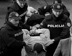 """Политика: В Белграде раздули скандал вокруг мифической """"руки Москвы"""""""