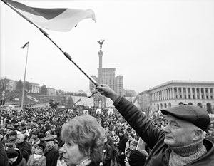 Призрак Третьего Майдана, которым в Киеве пугали друг друга больше двух лет, так что он наскучил, вдруг принял реальные черты