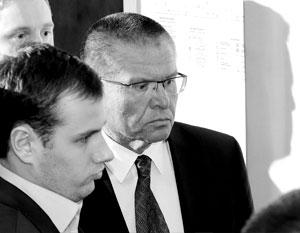 В здание суда Улюкаев был доставлен еще в качестве министра
