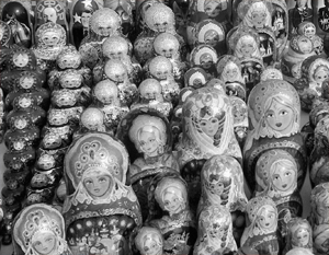 Традиционные матрешки вовсе не главная цель иностранного покупателя, стремящегося купить что-либо через интернет в России