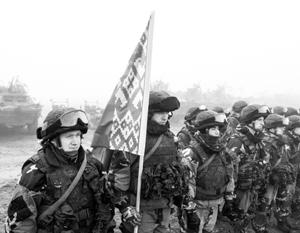 Лукашенко пообещал направить белорусские войска на берега Азовского моря, чтобы там «навести порядок»