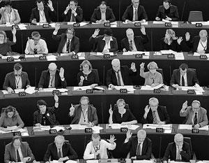 «Было неожиданностью, что в моей собственной фракции около половины депутатов сказали – нет, они на это не пойдут», – отмечает евродепутат Яна Тоом