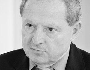 Тадеуш Ивиньский сетует, что в Польше уже звучат призывы поднять военные расходы с двух до трех процентов ВВП