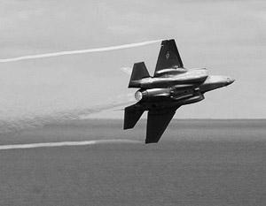 В мире: Истребитель F-35 вступил в схватку за новые миллиарды