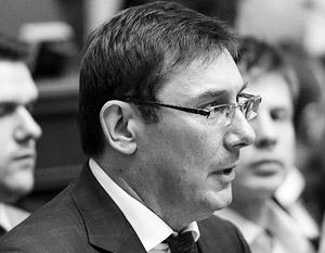 Юрий Луценко уже сидел раз в тюрьме при Януковиче, теперь появился риск быть посаженным и при Порошенко