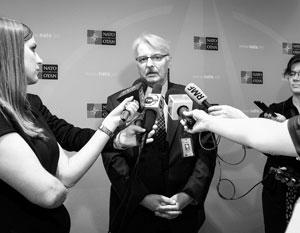 Главу МИД Польши высмеяли за «переговоры» с министром выдуманной страны