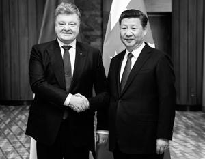 Порошенко попросил Китай помочь вернуть Крым Украине
