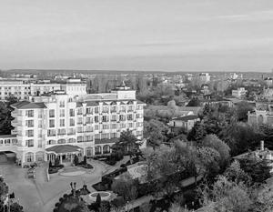 При всех особенностях советско-украинского наследия среди гостиниц Феодосии есть входящие в число лучших в Крыму