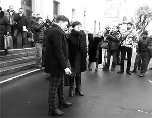 Савченко не пустили на завод в Виннице с криками «Позор кремлевским агентам!»