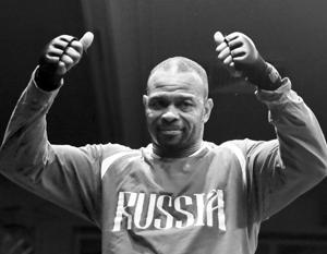 Российский боксер Рой Джонс-младший завоевал чемпионский титул