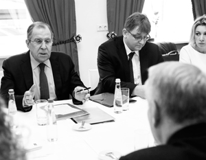 Лавров ответил на шутку главы МИД Франции про выборы президента в России