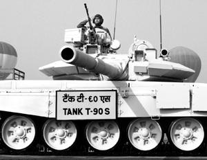 России удалось продать очередную партию танков Т-90 и тем самым еще больше упрочить свои позиции на мировом рынке оружия