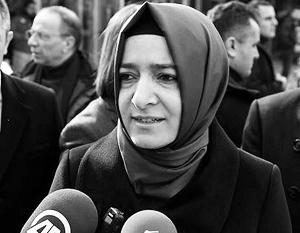 Министр по делам семьи и социальной политики Турции Фатма Бетюль Сайян Кайя уже обвинила голландские власти в бесчеловечности