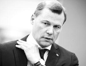 На чиновницу Минкомсвязи завели дело за завышение в восемь раз оклада главе Почты России