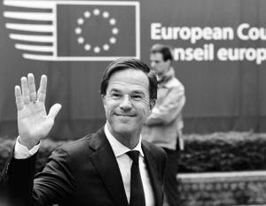 Еврооптимист Рютте празднует победу над евроскептиками, у которых он перехватил антимигрантскую риторику