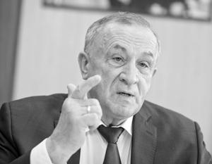 67-летний Соловьев думал о том, чтобы уйти с поста главы республики не с пустыми руками, отмечают эксперты