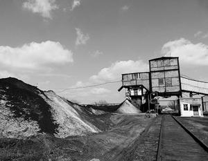 Петр Порошенко намерен вынести на обсуждение Совета национальной безопасности и обороны (СНБО) вопрос о конфискации угля, добытого на территориях ДНР и ЛНР