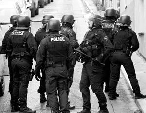 Полицейский убит в перестрелке в Париже