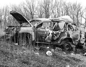 Автомобиль миссии ОБСЕ, как уверяет Антон Геращенко, «зацепил колесом обочину дороги, после чего произошел взрыв»